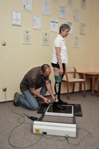 Seřizování zkušební protézy.