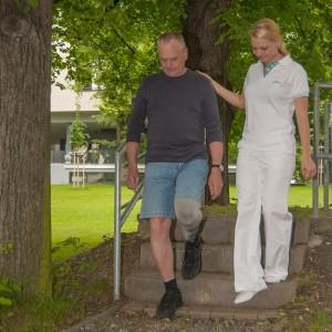 Nácvik chůze po běžném složitějším povrchu
