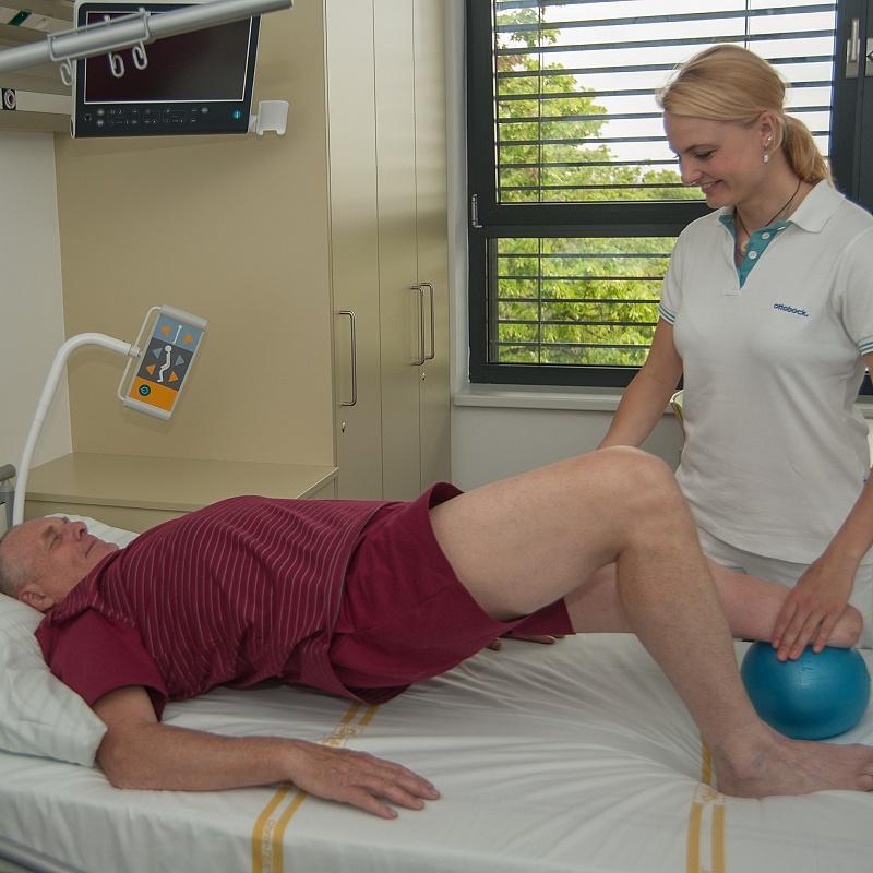 Posilování svalstva pahýlu, zachované končetiny a trupu.
