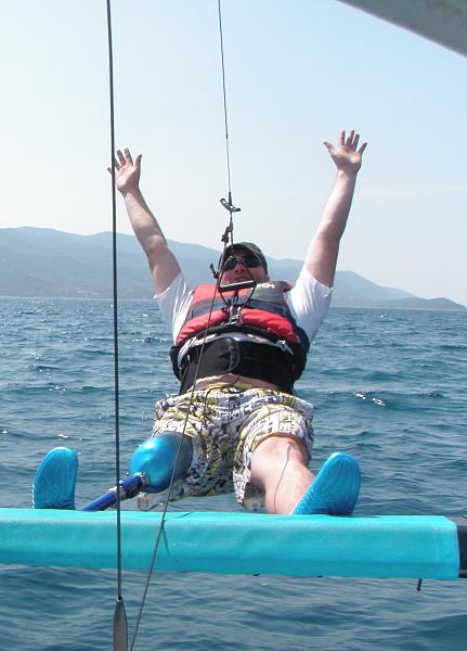 Se speciální protézou můžu provozovat i vodní sporty.