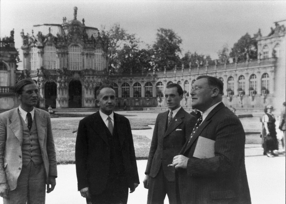 Výlet s účastníky odborného kurzu do Zwingeru v Drážďanech, 1935.