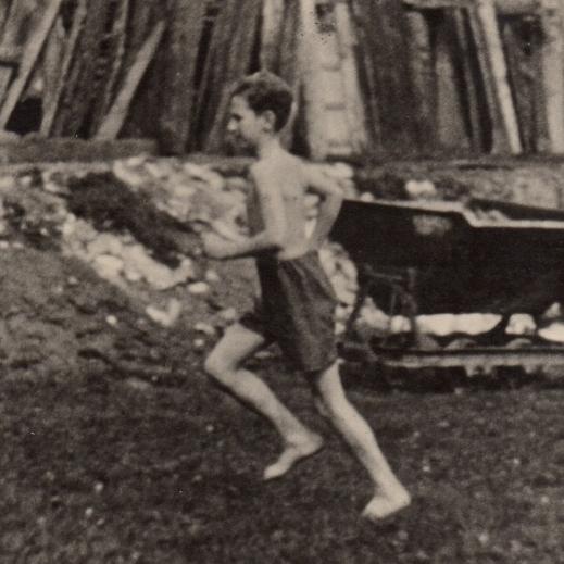 Snímek z nafilmované studie pohybu z 30. let.