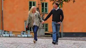 Žena s Tritonem na procházce.
