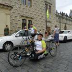Naši handy borci - Erik na handbiku a Pavel s protézou
