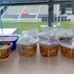 Důležité zpestření naší gelové stravy - výborné indické nudle. Děkujeme Igorově manželce!
