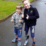 Lukáš po běhu s novou protézou