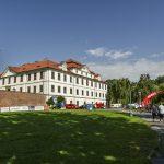 Téma letošního cyklomaratonu jsou barokní památky, proto startujeme z nádherného břevnovského kláštera.