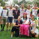 Na Kampu se přijela podívat i Renča s rodinou. A jako my všichni, i ona dostala originální medaili.