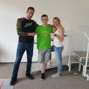 Patron Petr Pavlis s kapitánem týmu Tomášem a fyzioterapeutkou Haninou